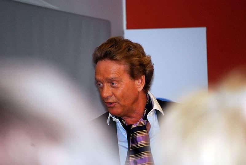 Boka föreläsare: Björn Ranelid in action.