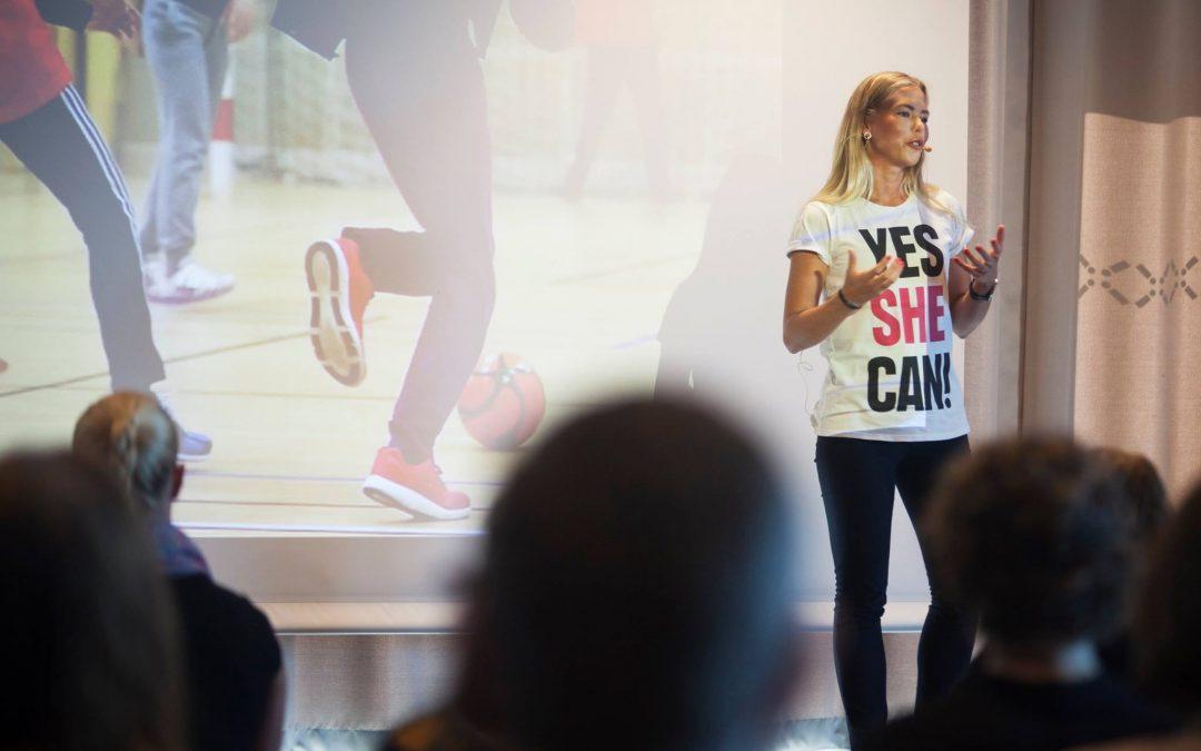 Cecilia ger kvinnor och tjejer rättigheter genom fotboll